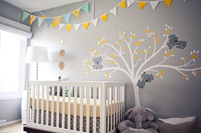 ściana dekoracyjna w pokoju niemowlęcym