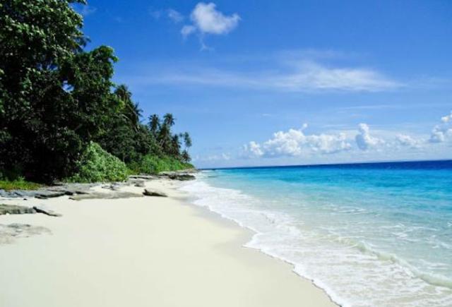 Wisata Pantai Foa