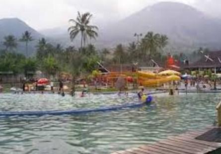Pesona Keindahan Obyek Wisata Pemandian Air Panas Cipanas