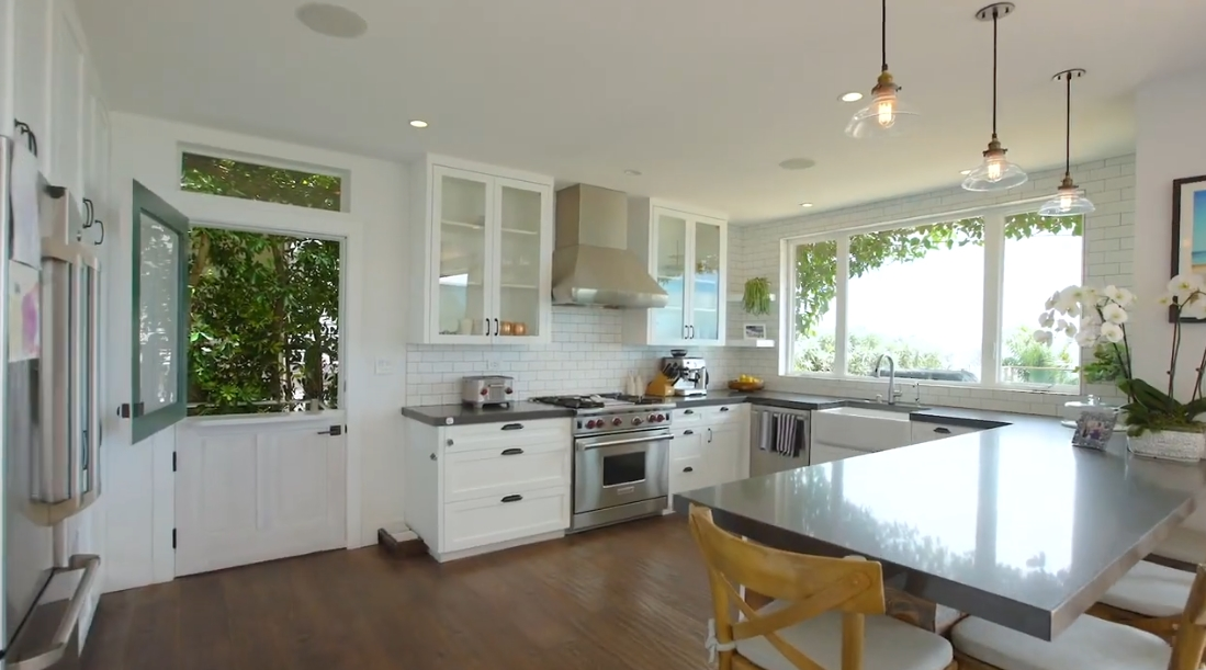 Tour 12 Samoa Way, Pacific Palisades, CA vs. 12 Interior Design Photos