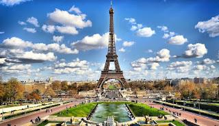 tempat wisata menara eiffel ,paris