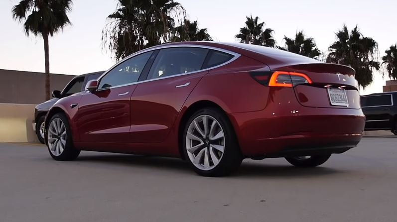 Watch Tesla Model 3 after seven moths Review - Electric auto