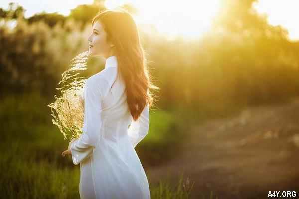 Thơ ngắn NẮNG THÁNG 6 hay, STATUS tháng sáu NÓNG BỨC chói chang
