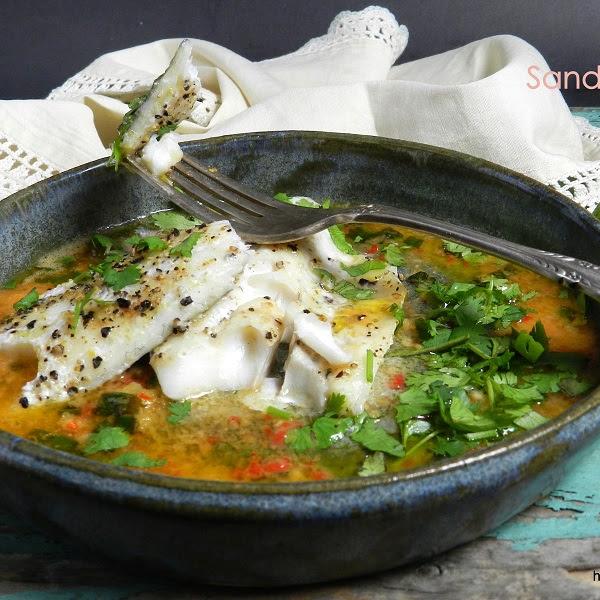 Sandacz z ostrym, maślanym sosem