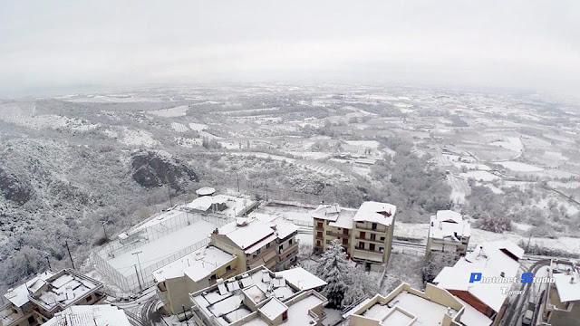 Αποτέλεσμα εικόνας για ναουσα ημαθιας χιονισμένη