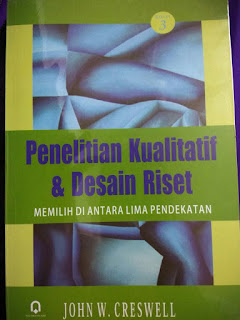Cover Buku Penelitian Kualitatif & Desain Riset (edisi ke-3), John W. Cresswell