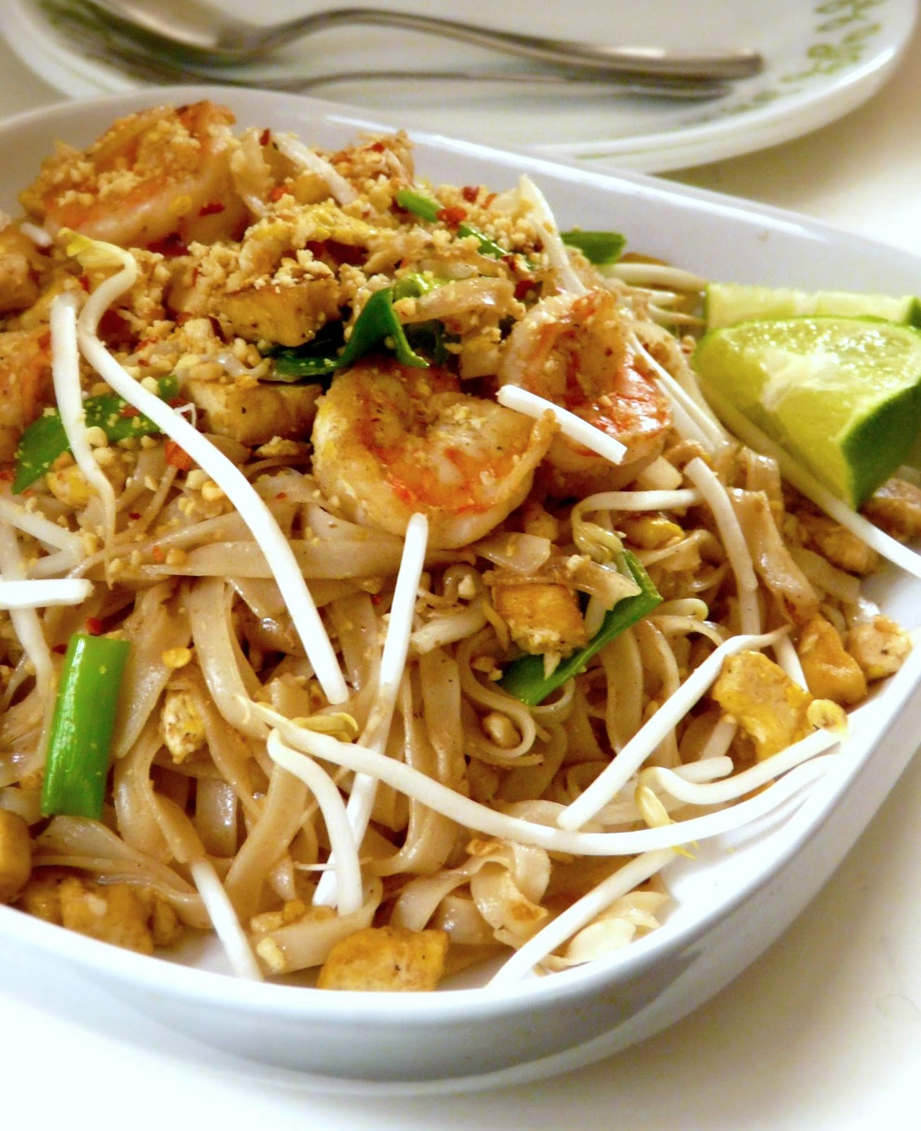 The Red Gingham Chicken Amp Shrimp Pad Thai