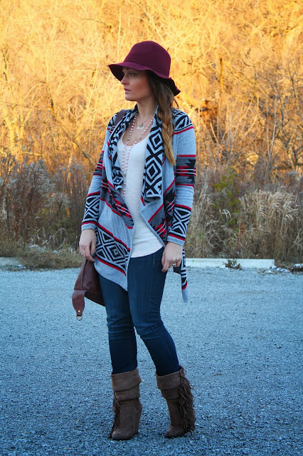H&M hat, aztec print sweater, boho look, Forever 21 sweater, H&M jeans, slouchy boots