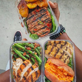 Kevin Fit Men Cook grilled seasoned chicken, steak, beans & veg, recipe, clean eating, meal prep