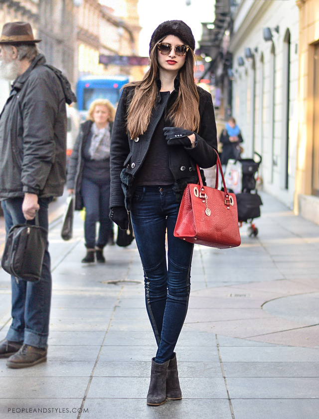 Street style lookbook, web shopping, How to wear cossack hat and red lipstick, photo peopleandstyles.com