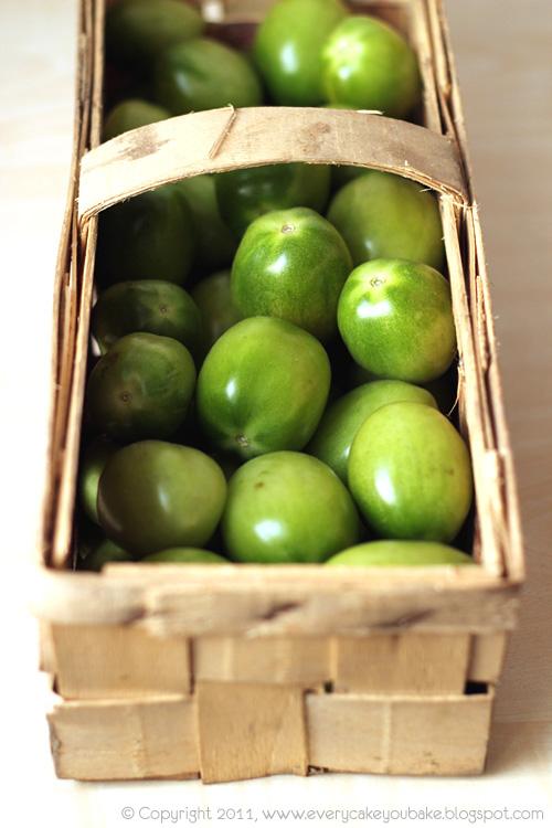 chutney z zielonymi pomidorami i papryczką chili