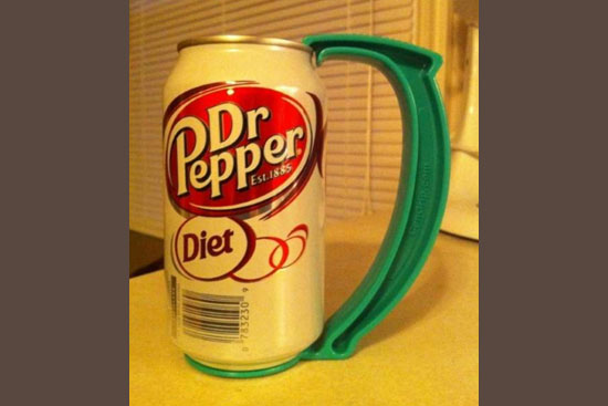 Invenções mais interessantes do mundo - Alça para latas de bebidas