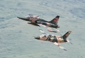 FOrmación de vuelo con un F-5 Venezolano