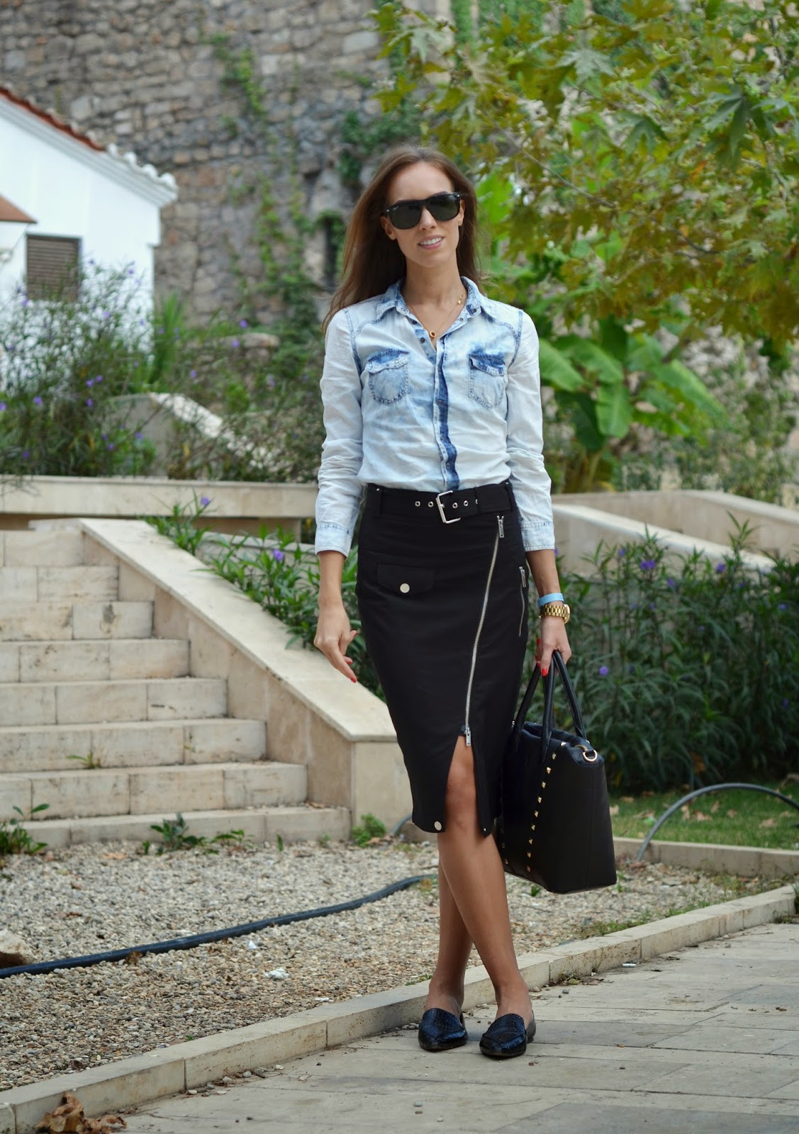 denim-shirt-pencil-skirt-outfit kristjaana mere