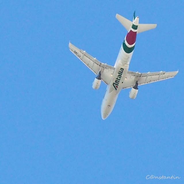 Avioanele ne aduc aminte cã Aeroportul Fiumicino este în apropiere - blog FOTO-IDEEA