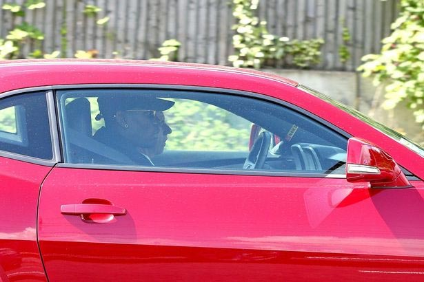 Paul Pogba arrives Manchester United for medicals (and subsequent £110m signing)