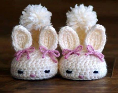 Patrón 970 Zapatitos Conejo a Crochet