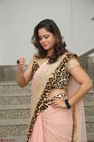 Shilpa Chakravarthy in Lovely Designer Pink Saree with Cat Print Pallu 021.JPG