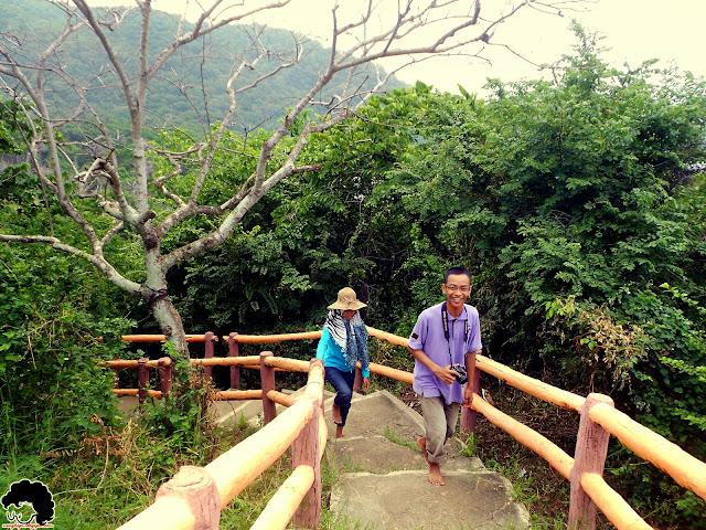 Perjalanan menuju puncak Bukit Siti Hinggil