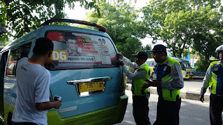 Bawaslu Kota Cirebon Tertibkan APK Yang Melanggar