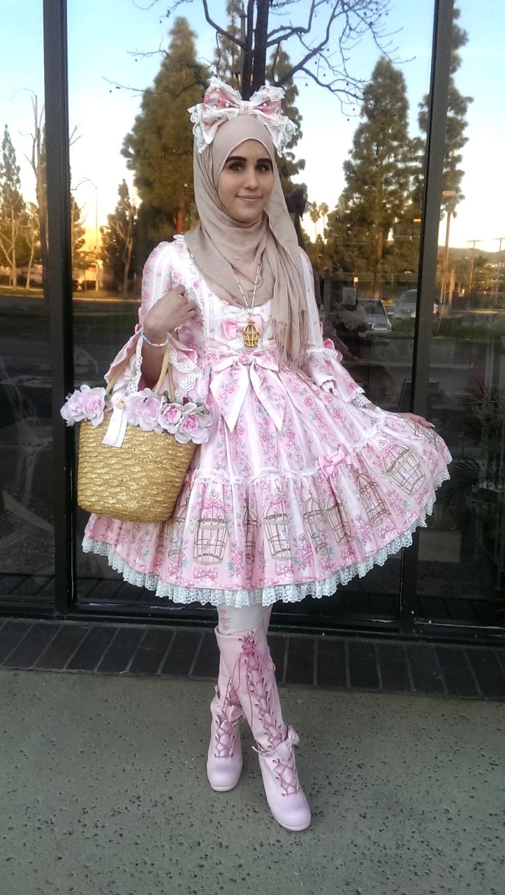 ازياء محجبات مستوحاة الموضة اليابانية tumblr_nj4t6y3TWx1qi