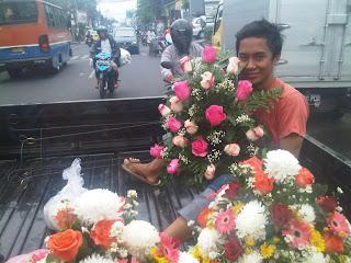 """<img src=""""Toko Bunga Jakarta Timur.jpg"""" alt=""""Toko Bunga Murah Jakarta Timur"""">"""