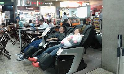 Poltronas de massagem no aeroporto de Viracopos