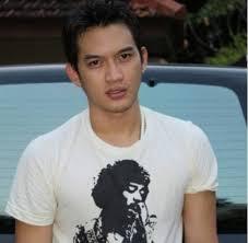 Rezky aditya Biodata Nama pemeran denis di Film Sinetron Malaikat Cinta SCTV