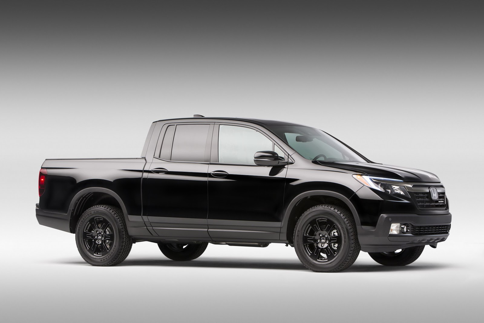 2017 ridgeline is honda s new soft pickup truck updated gallery carscoops. Black Bedroom Furniture Sets. Home Design Ideas