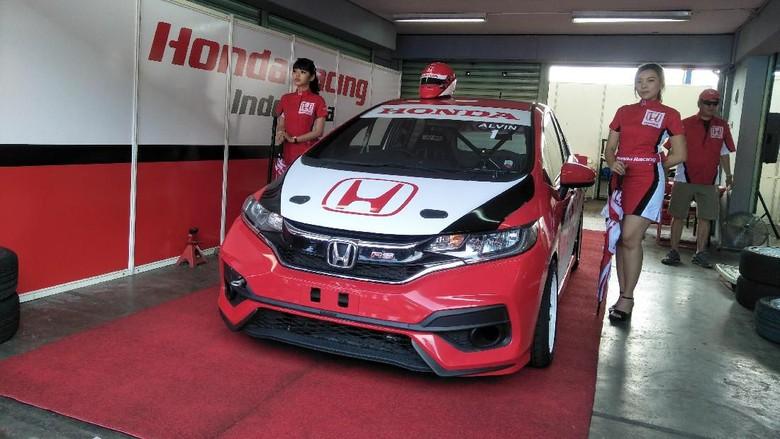 Honda Jazz Biasa Tidak Bisa Dibuat Versi Balap