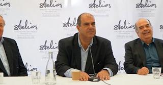 O Στέλιος Χατζηιωάννου δωρίζει 5.000 ευρώ σε κάθε συγγενή θανόντων