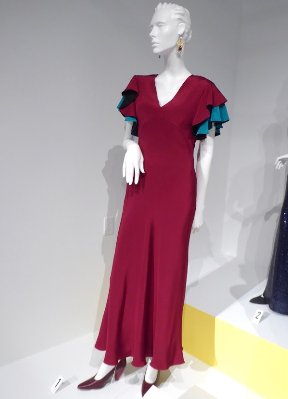 Mandy Moore This Is Us Rebecca dress