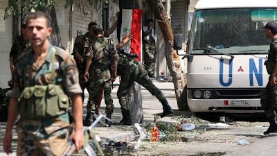 la-proxima-guerra-soldados-ejercito-sirio-bandera-siria-furgoneta-onu