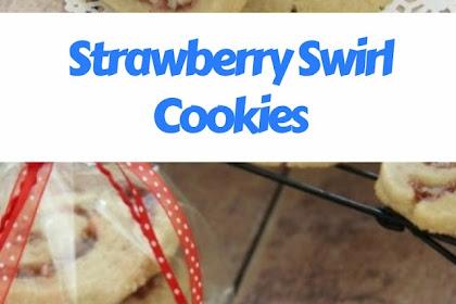 Strawberry Swirl Cookies #christmas #cookies