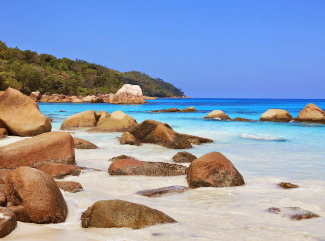 Stranden Anze Lazio på ön Praslin på Seychellerna