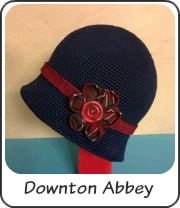 Gorro estilo Downton Abbey con flor kanzashi