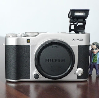 Kamera Mirrorless Fujifilm XA3 ( Body Only )