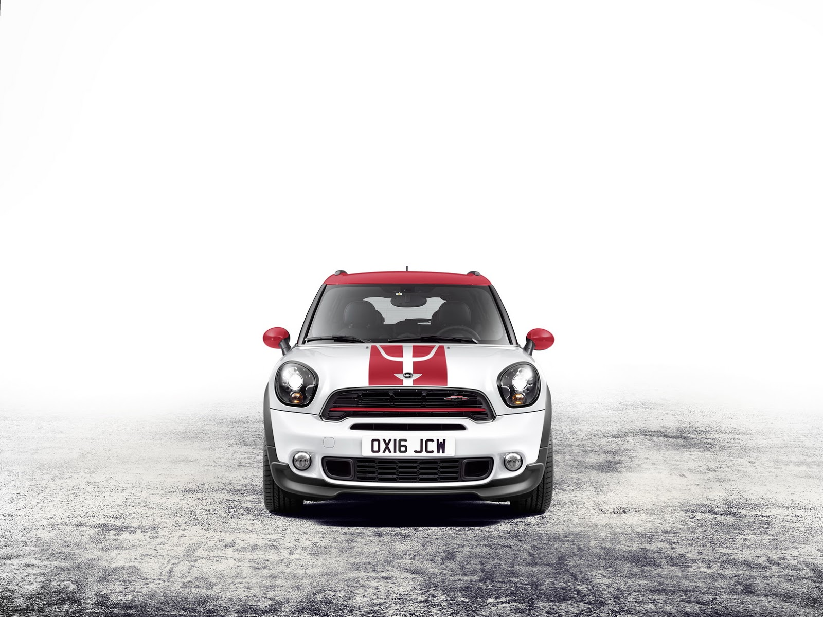 2018 mini countryman gets zesty with 228hp jcw model carscoops. Black Bedroom Furniture Sets. Home Design Ideas