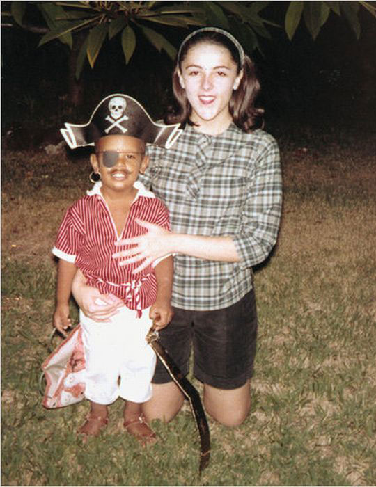 little barack obama and his mother