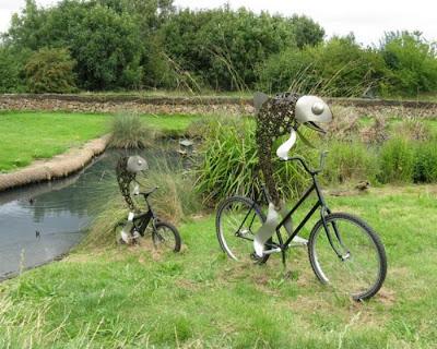 Esculturas y arte  con con bicicletas