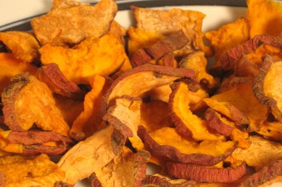 chipsuri de cartofi dulci raw
