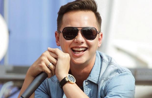 Ini Dia 9 Gaya Fashion Artis Pria Indonesia Yang Lagi Ngetrend Di Tahun 2017!