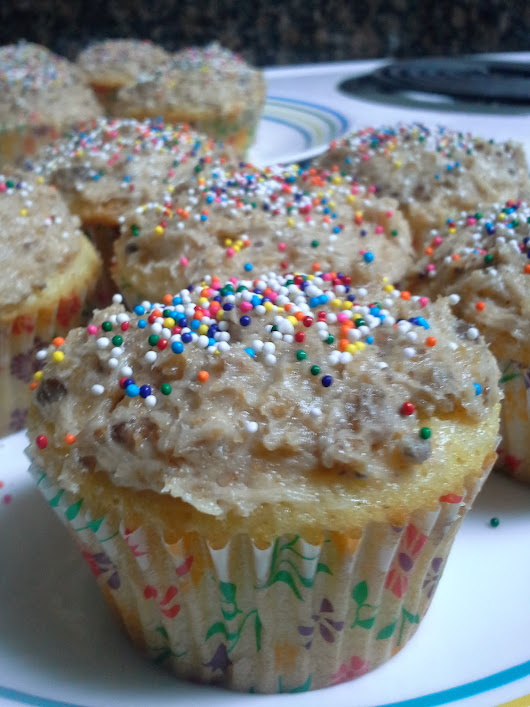 Vanilla pudding cupcakes with chocolate chip cookie frosting