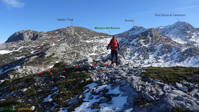 Ruta al Pico Sobre el Tambarón desde el Puerto Ventana. Ubiñas.