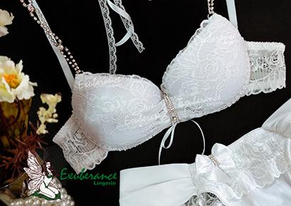 conjunto de lingerie branca com alça em cristais