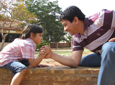 Cara Menjadi Ayah yang Baik untuk Anak