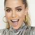 Shakira esqueceu de avisar pra Anitta que ela abrirá seus shows no Brasil
