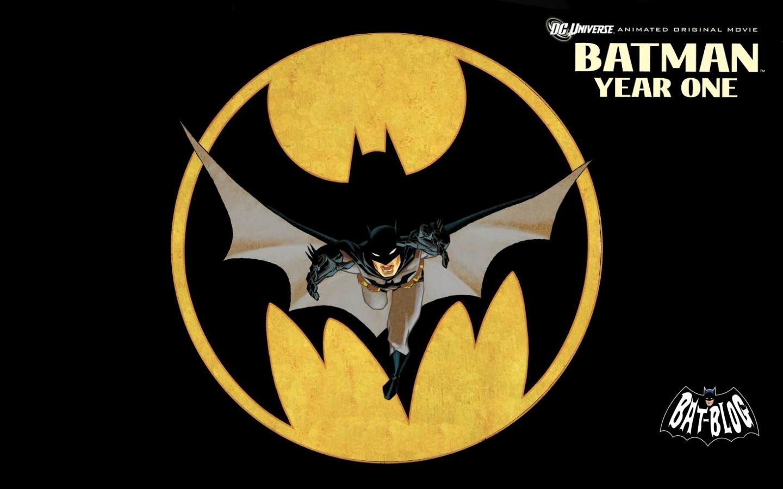 http://2.bp.blogspot.com/-t2ANrlVT2YQ/TqBuSB2vs6I/AAAAAAAACmo/jFWBD1-4jzs/s1600/wallpaper-batman-year-one-dvd-movie.jpg