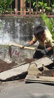 Demi Sang Ibu, Bocah 9 Tahun ini rela jadi buruh Bangunan
