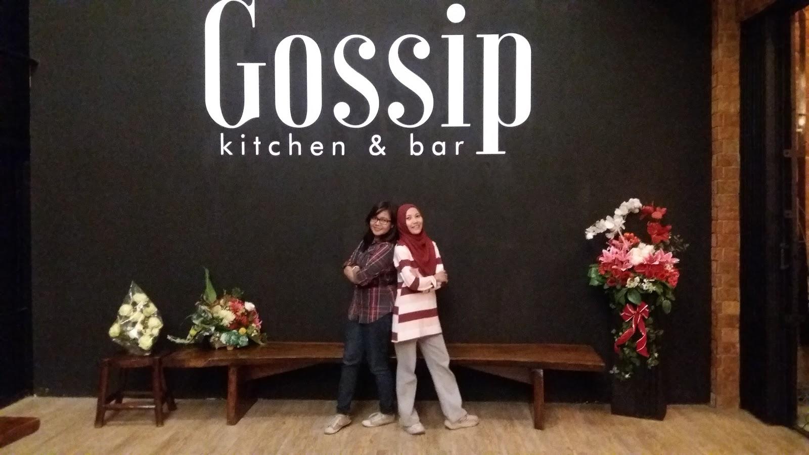 Kali ini aku mau berbagi info tentang gossip kitchen bar semarang yang akhir akhir ini temen temenku pada foto di depan tulisan gossip kitchen